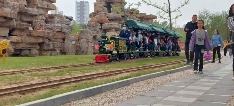 溜娃圣地!坐蒸汽网红小火车,畅玩圣都乐园~